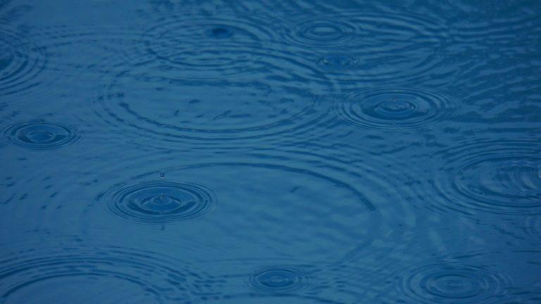 Comment installer un récupérateur d'eau de pluie?