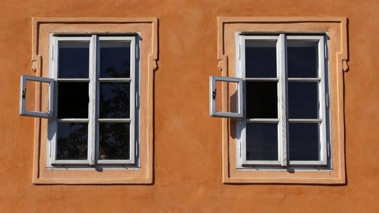 Combien coûte la pose d'une fenêtre sur mesure