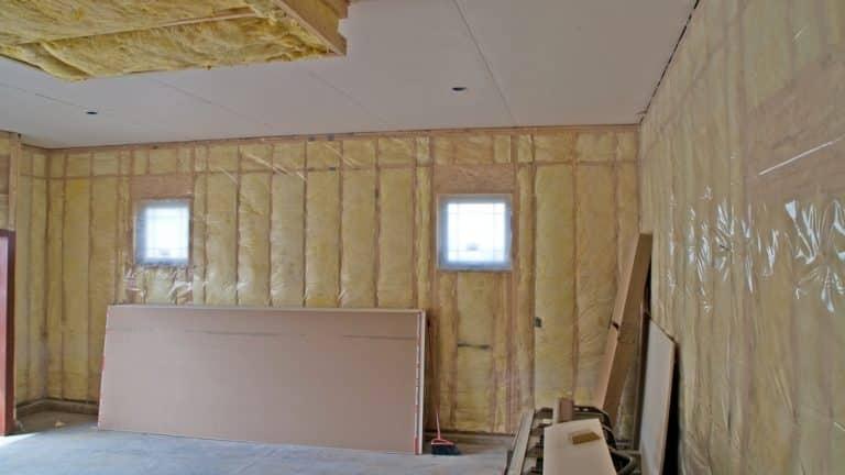 Comment isoler un plafond de garage?