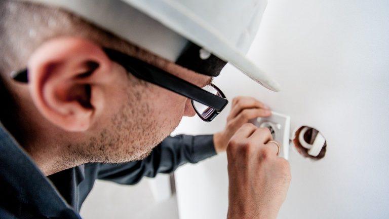 Pourquoi avoir recours à un électricien professionnel ?