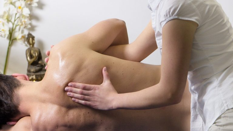 Comment entretenir sa table de massage pliante