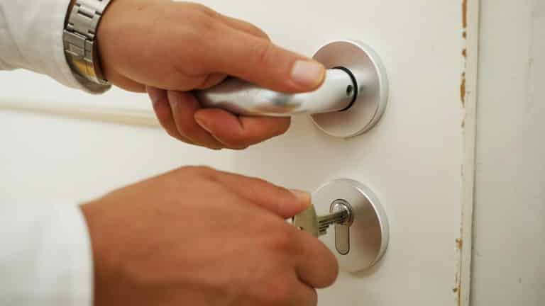 Comment renforcer la sécurité de votre porte
