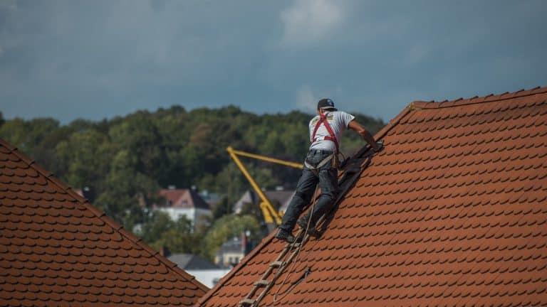 Une toiture à refaire : pensez à l'ardoise !